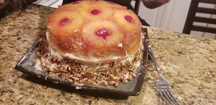 pineapple upside down cake with cream cheese frosting