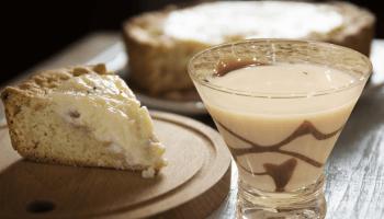 banana creme martini is a great martini that consists of vanilla vodka, irish cream, banana liqueur such as 99 bananas