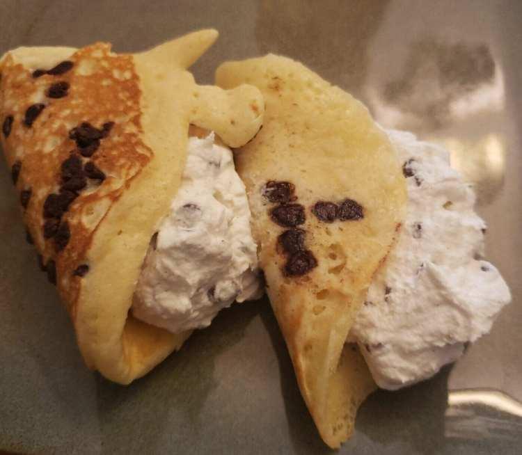 finished cannoli pancakes