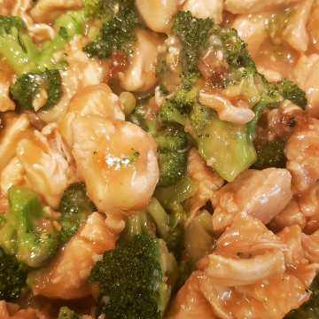chinese chicken and broccoli home made takeout served over white rice