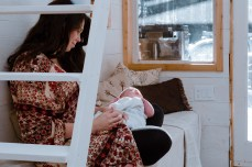 newborn photography, tiny home, family photographer, golden, british columbia, lifestyle