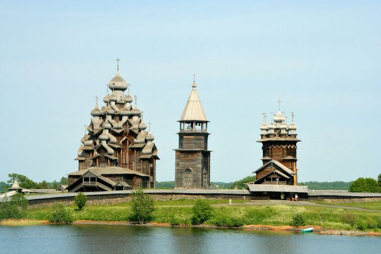 1200px-Kizhi_churches