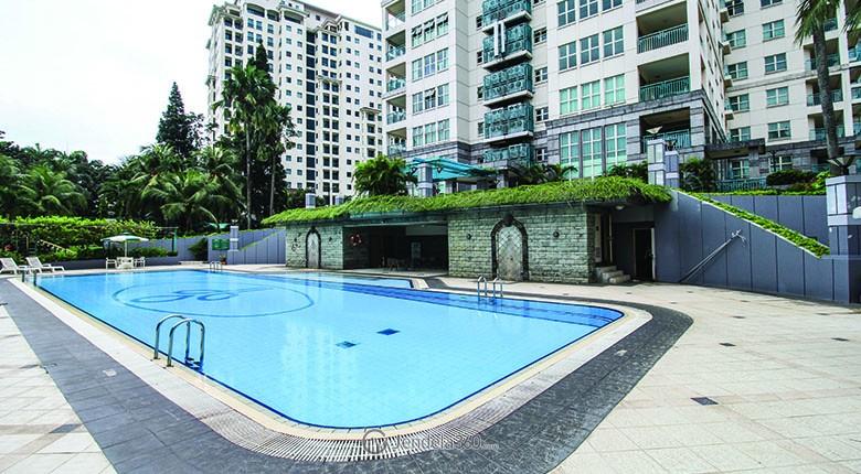 kolam renang di apartemen pondok indah golf