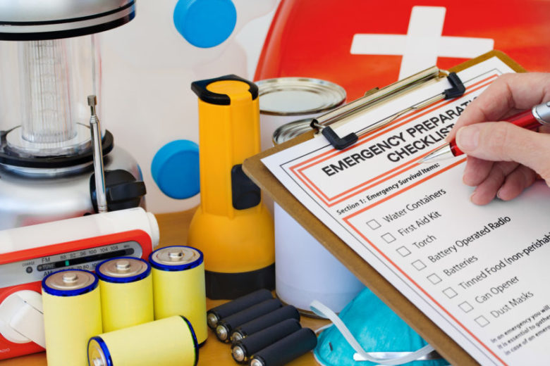 Perbaikan darurat di apartemen