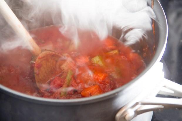 cooking-homemade-marinara-sauce