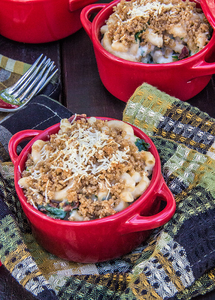 Tuscan-Macaroni-and-Cheese-with-Bacon-and-Kale