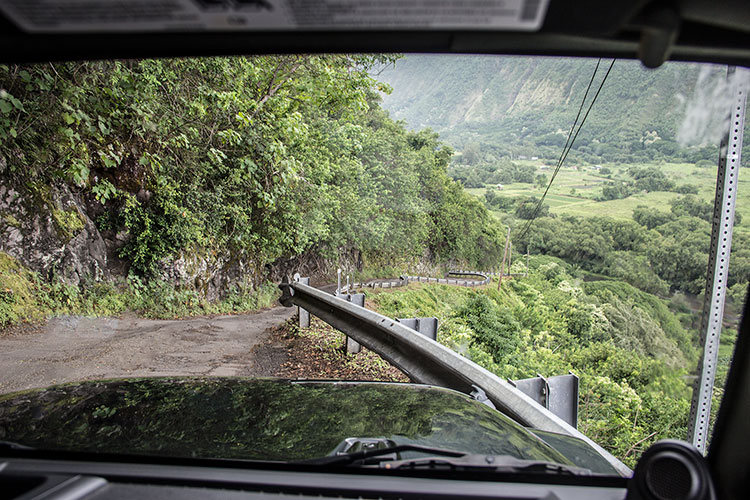 Waipio-Valley-Road