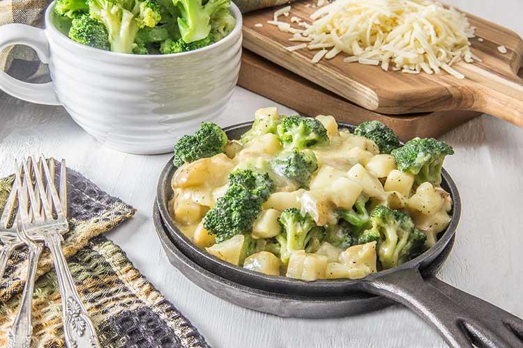 Healthy-Cheesy-Skillet-Potatoes-with-Broccoli