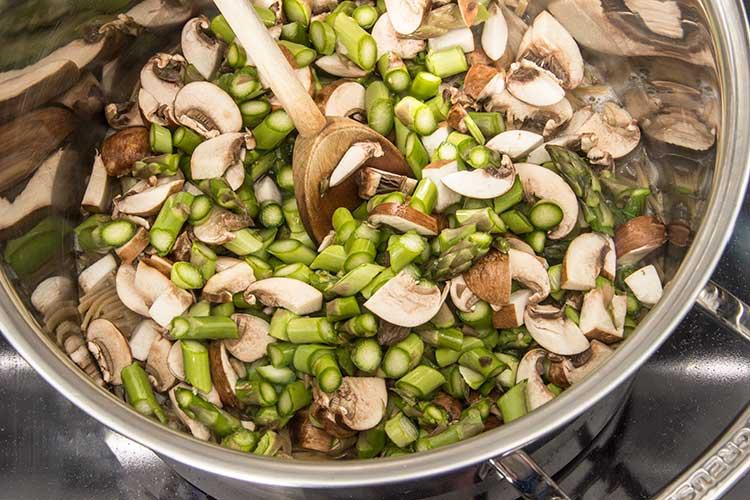 cooking-asparagus-pasta