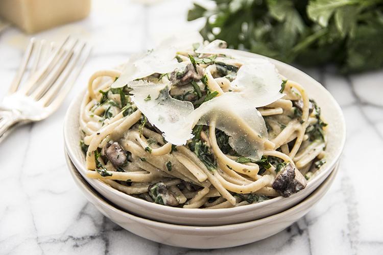 20-Minute-Creamy-Parmesan-Mushroom-Fettuccine