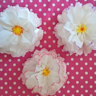 fleurs mouchoir en papier DIY (10)