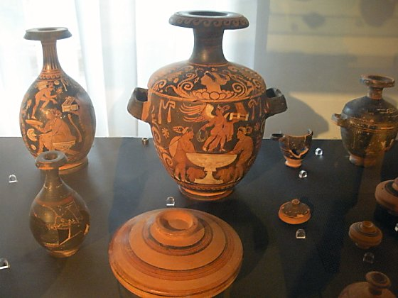 Paestum pots pieced together