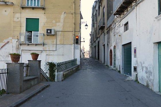 Single lane street