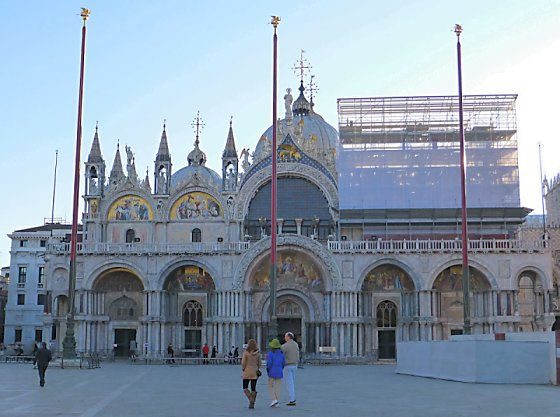 Early morning view of the front of the Basilica di San Marco