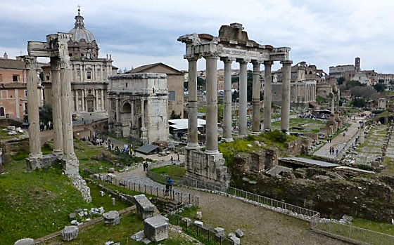 Wide angle view of the ruins of the Roman Forum.