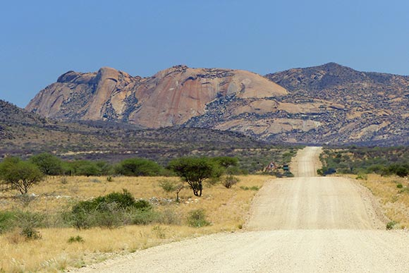 The road to Windhoek.