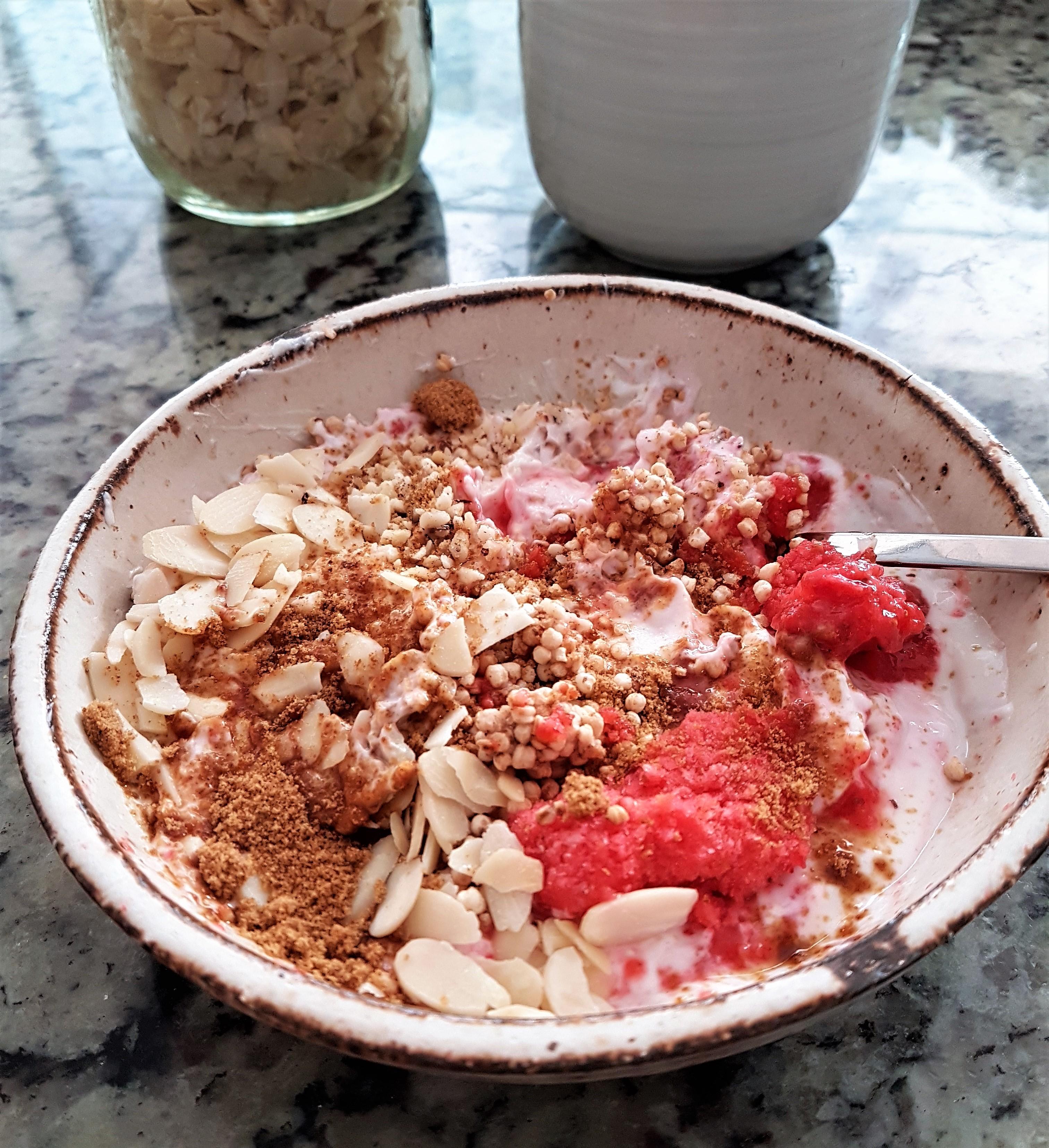 Bowl de quinoa con yogurt