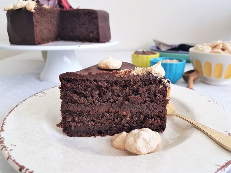 Pastel de avellana y chocolate sin harina
