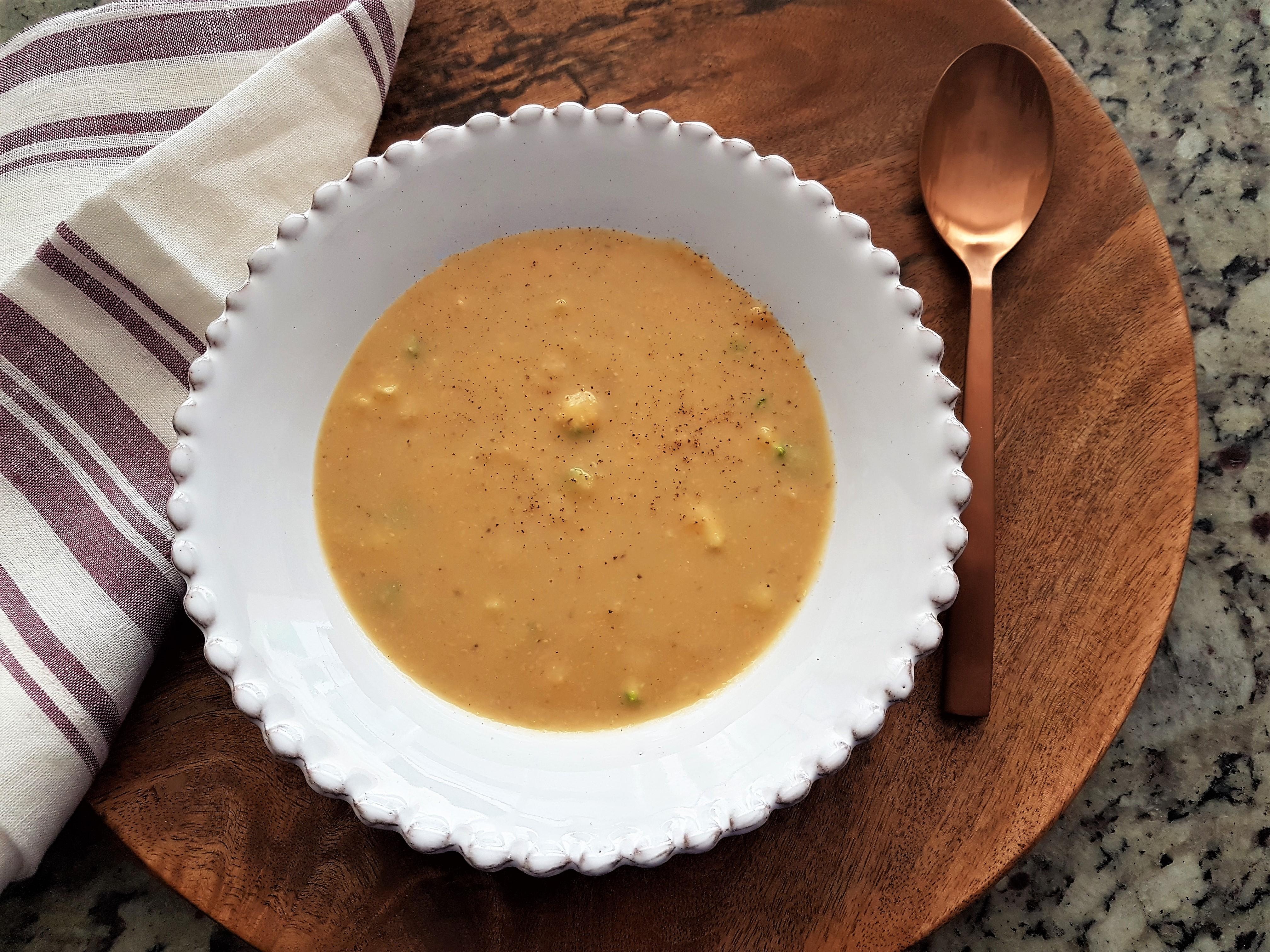 Sopa de lenteja roja con calabaza