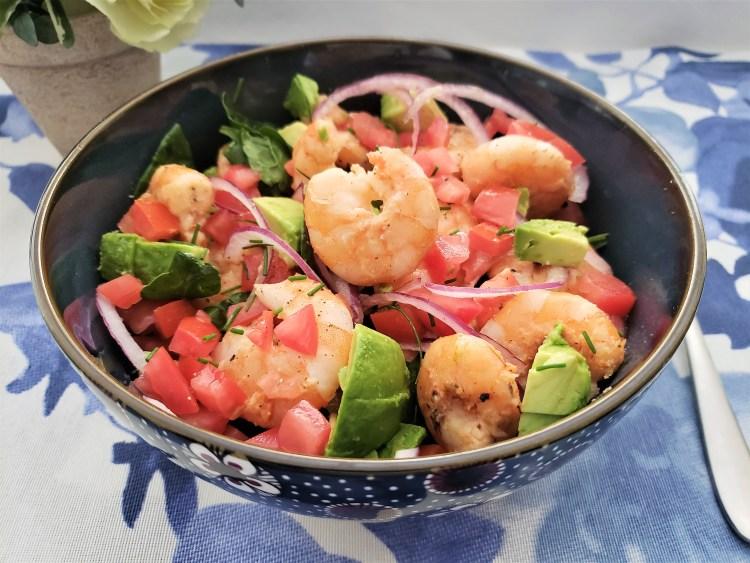 Ensalada de camarón con aguacate