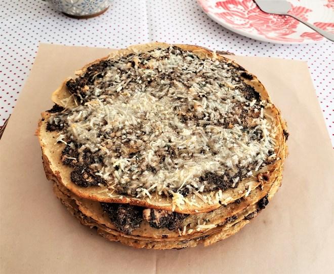 Pastel de crepas de avena con relleno de hongos (4).jpg