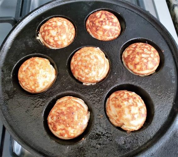 Bolitas de hotcake con salmón ahumado