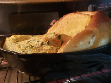 Hotcake alemán salado con hierbas