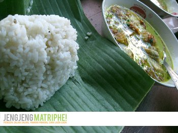 Soto Kuning plus nasi