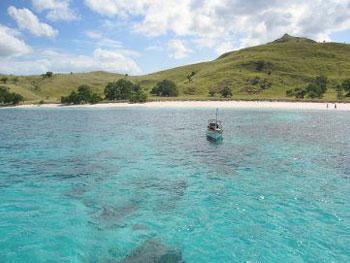 Pantai Merah, Pulau Komodo