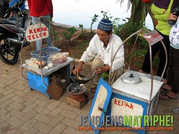 Penjual kerak telor