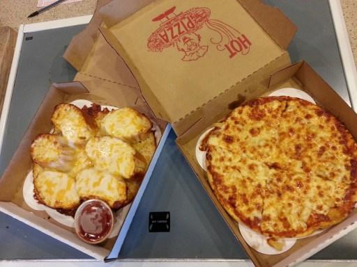 kelli pizza photo