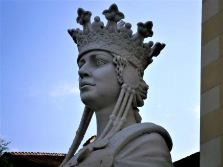 Queen Maria - Alba Iulia Statue
