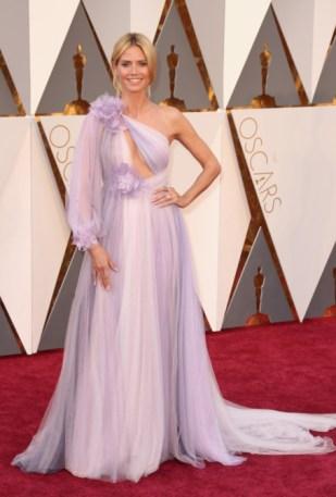 Heidi Klum vestindo Marchesa.