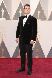 Henry Cavil vestindo Dunhill.