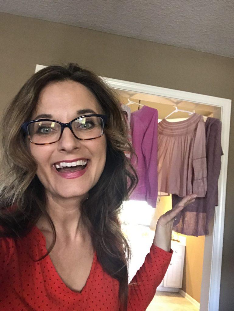 Image of Jen Merckling showing her hanging laundry