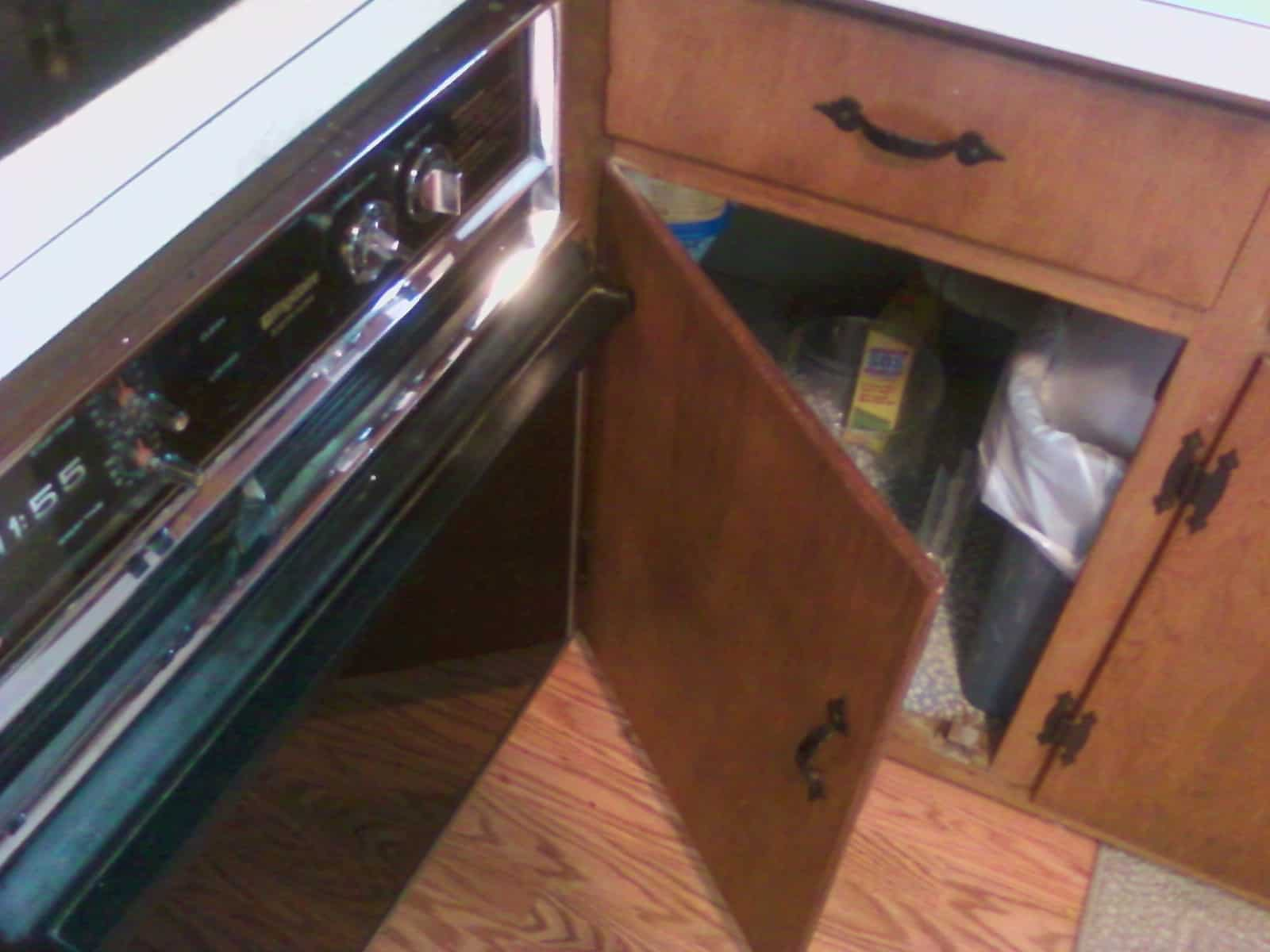 Cabinet that doesn't even open