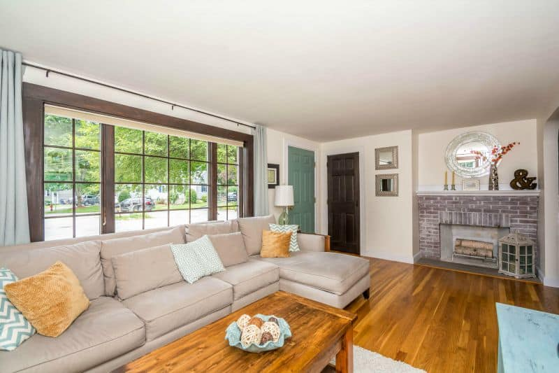 Staging a living room for sale