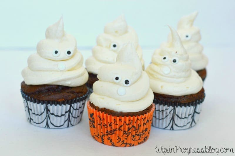 These Halloween ghost cupcakes are sweet chocolate cupcakes topped with spooky vanilla icing