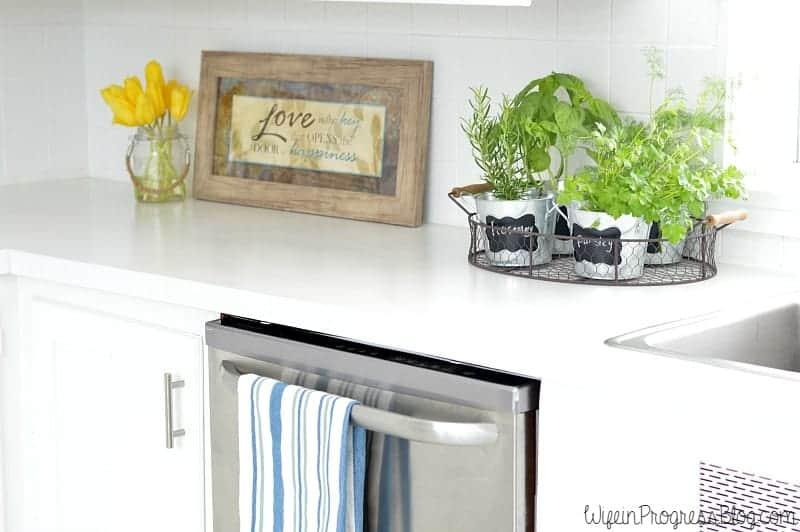 DIY faux marble painted laminate countertops