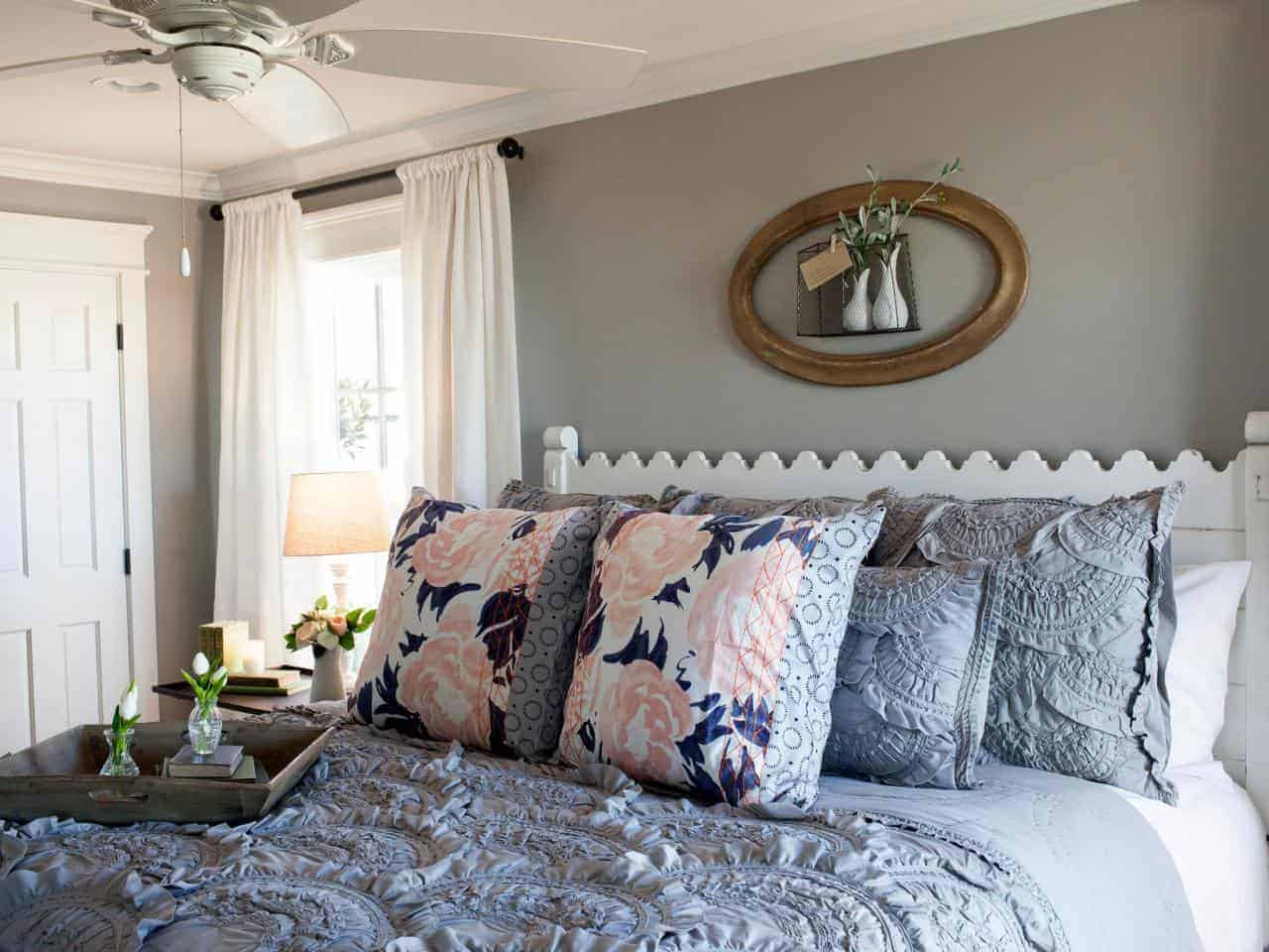 Joanna Gaines Fixer Upper Style - Recreate this beautiful fixer upper bedroom makeover with this source list of copycat items