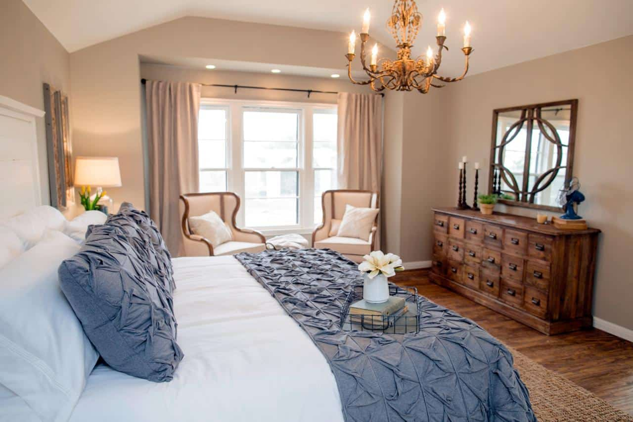 Copy this bedroom designed by Joanna Gaines of Fixer Upper fame thanks to this great source list of copycat items