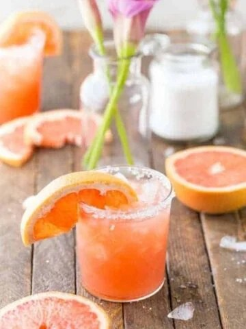 grapefruit salty dog - 9 delicious summer cocktails