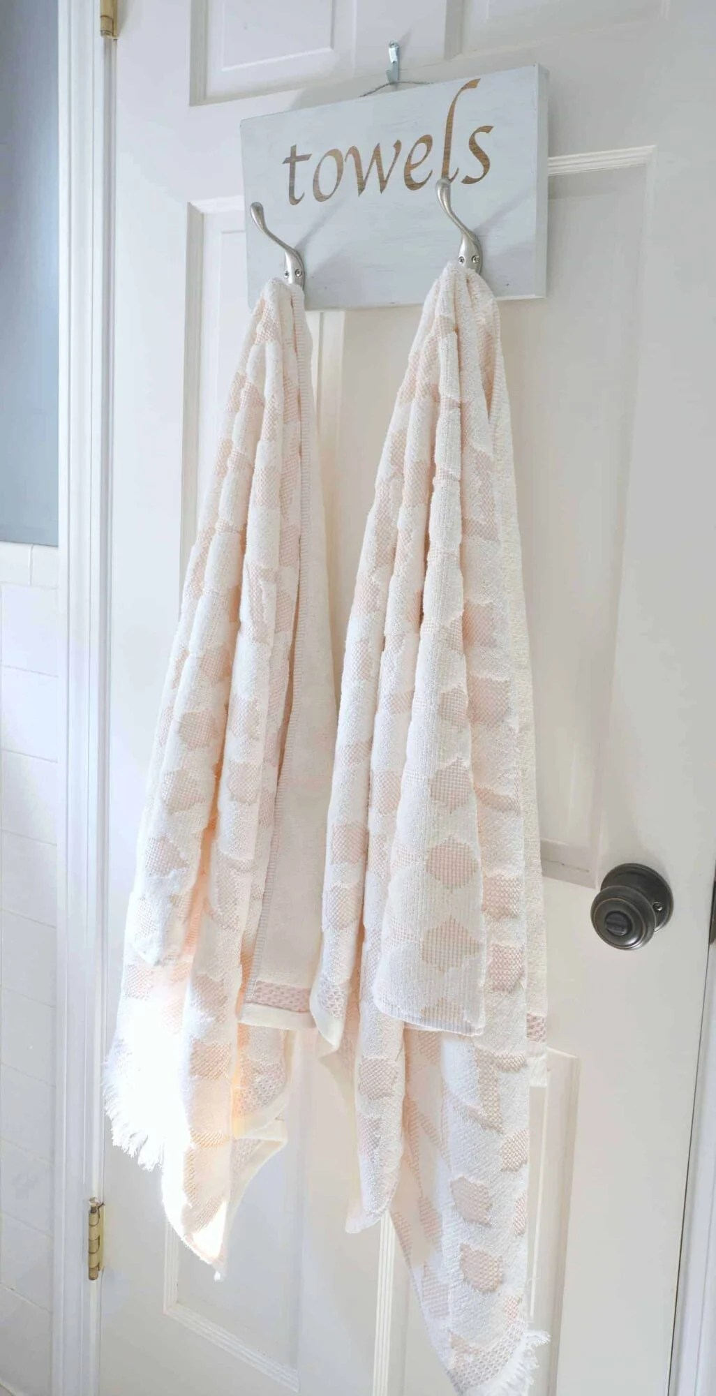 Wood DIY towel rack