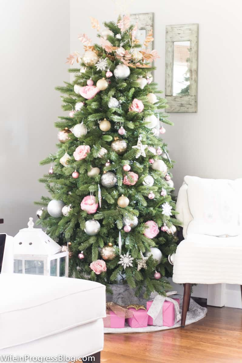 An elegant and chic pink and gold Christmas tree. My new favorite color combo!