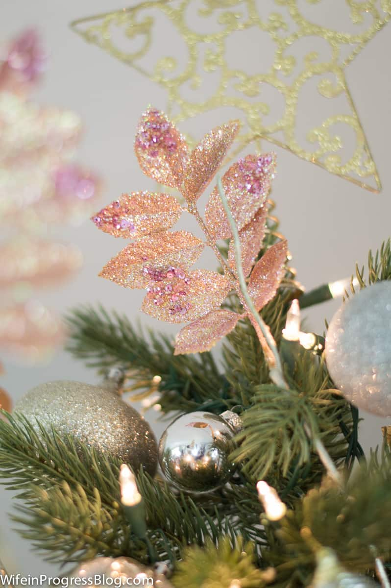 pink-christmas-tree-decorations-12