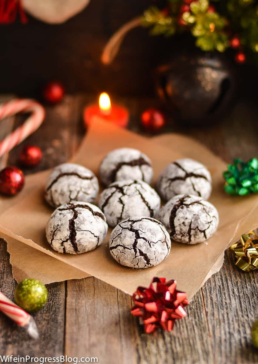 These chocolate crinkle cookies are like hot chocolate in cookie form, and perfect for the holidays!