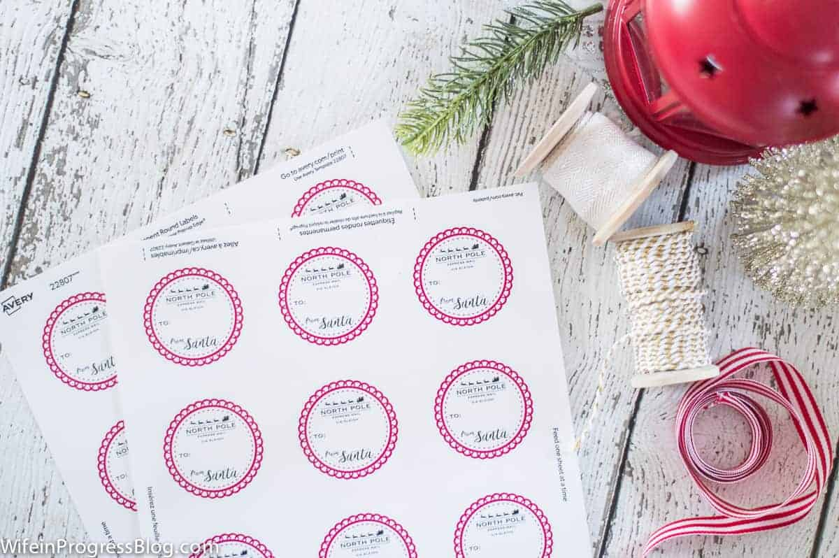 Free Santa Gift Labels for you to download! Just print these up on round labels for an easy way to designate Santa gifts!