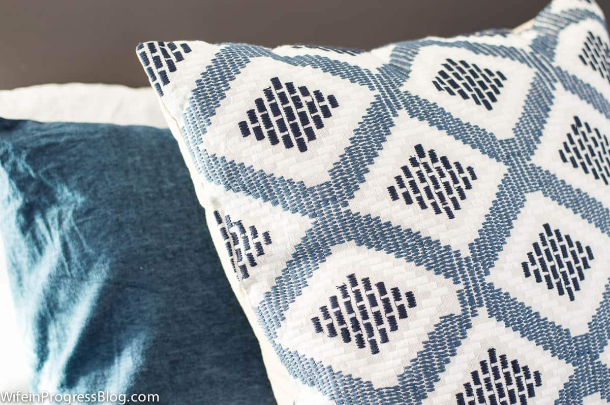 I love the diamond pattern on these throw pillows--they're perfect to match with cozy flannel