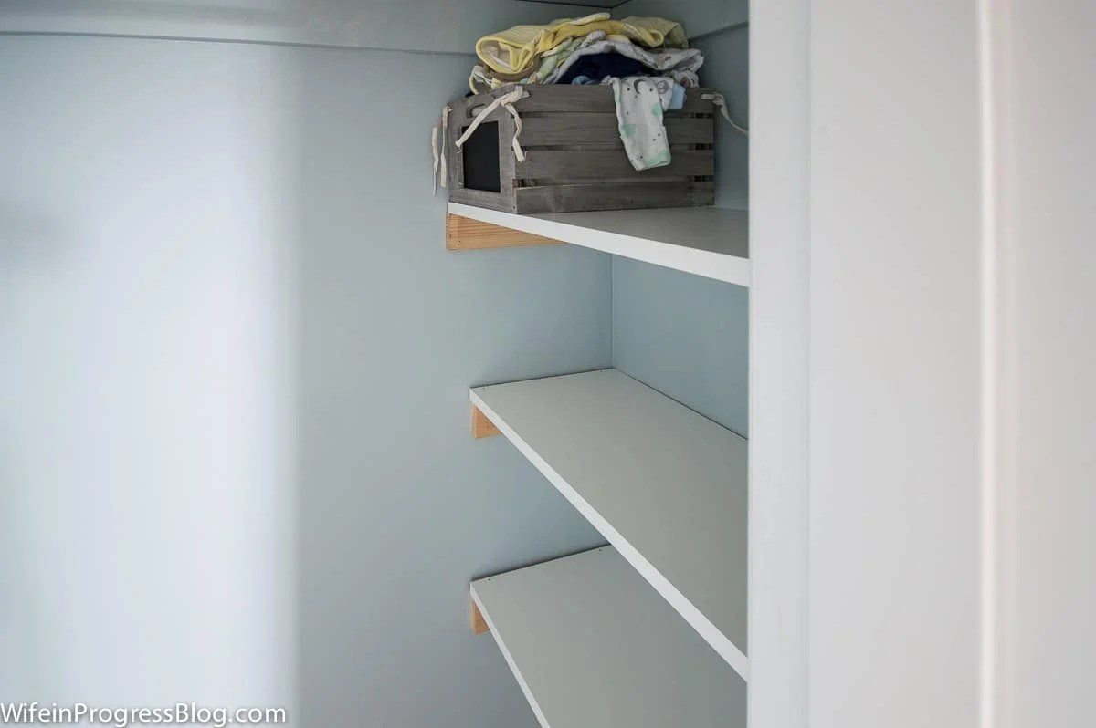 Easy DIY closet shelving project