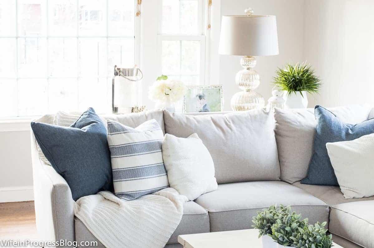 living room decor | blue color palette | home decor ideas | farmhouse style